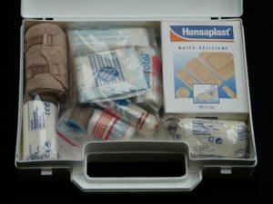Erste-Hilfe Kasten, Verbandmaterial, Arbeitssicherheit